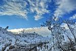 雪(xue)上藍天